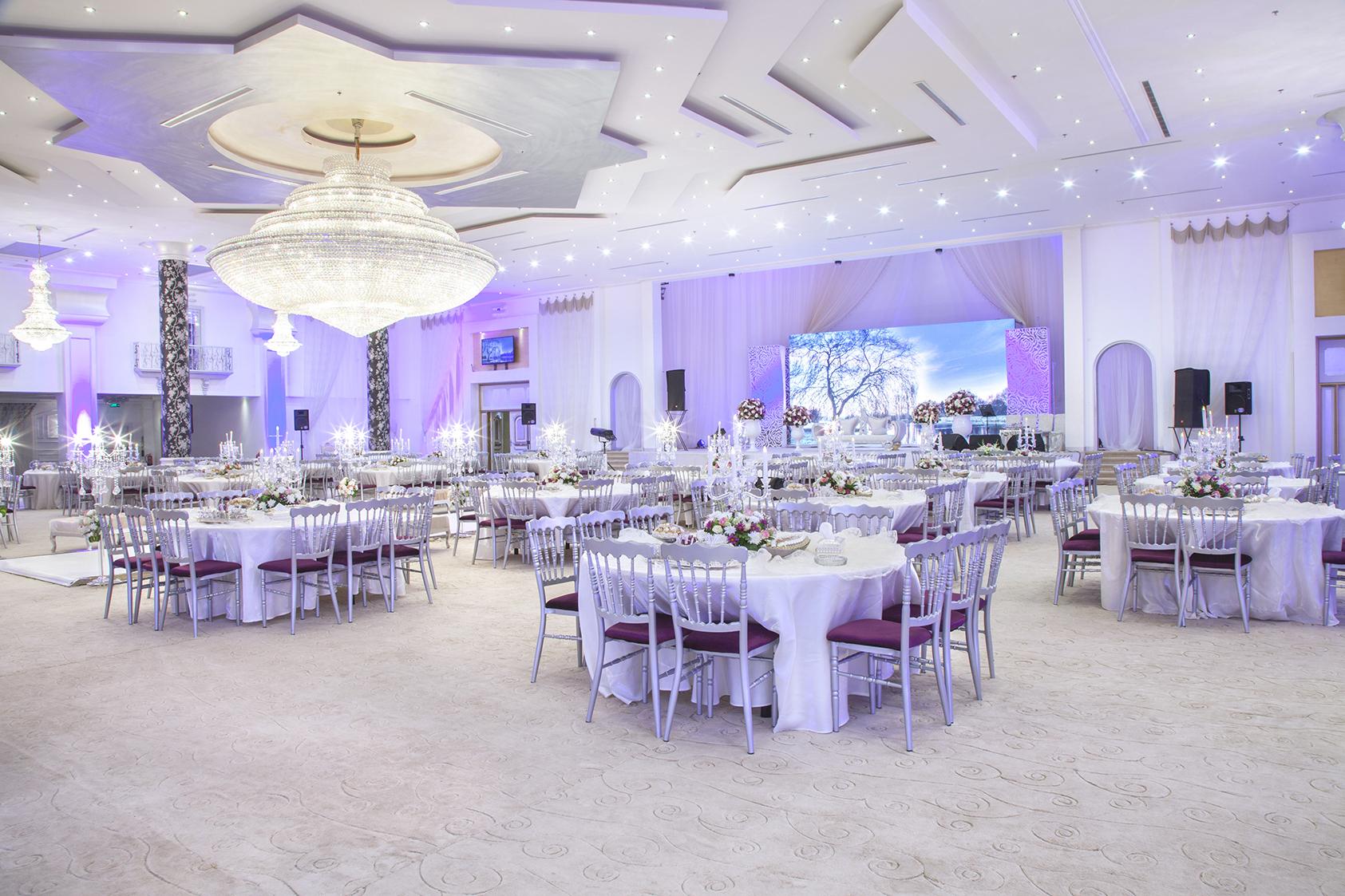 القاعة الكبرى للأحتفالات والمؤتمرات مجموعة الفهيد التجارية